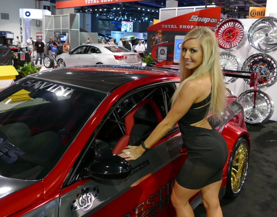 2014_sema_girls_savini