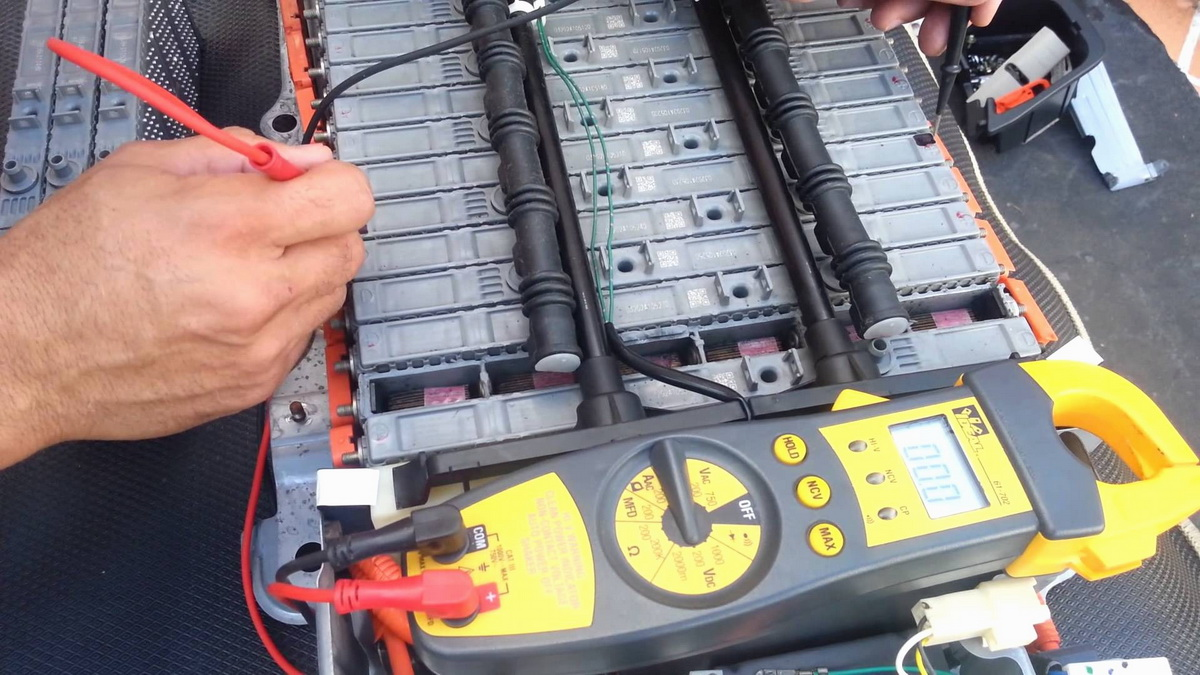 Hybrid Battery Replacement And Reconditioning